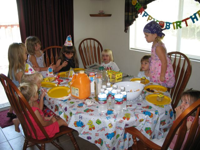 Kids enjoying cake